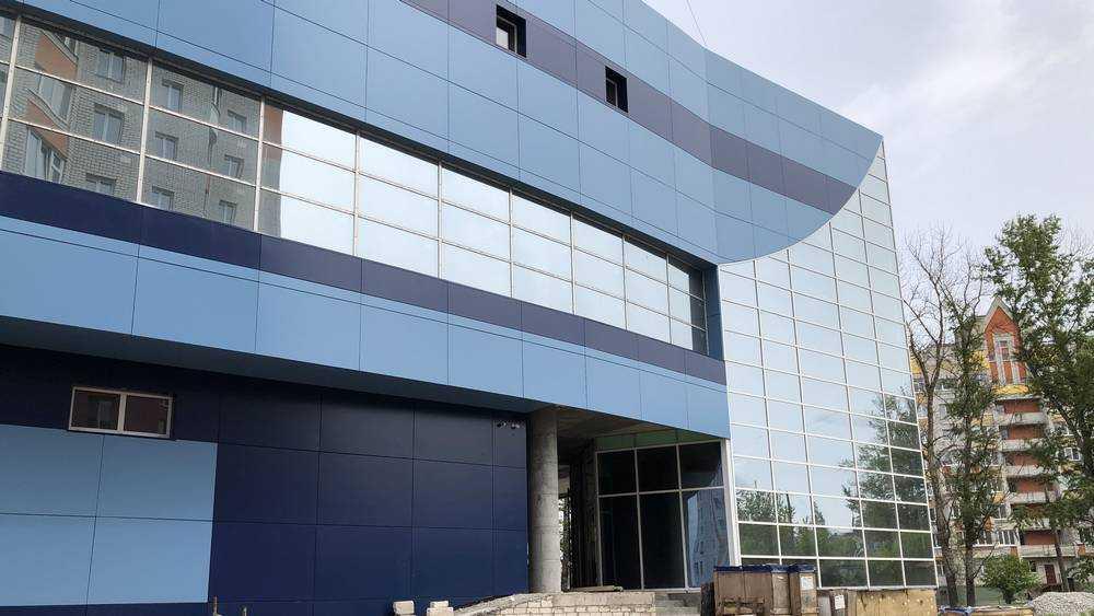 В Брянске построили еще один крупный торговый центр