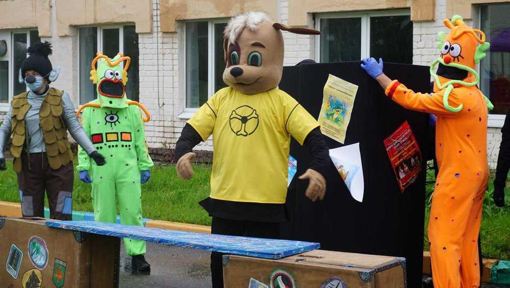 Брянский театр кукол затеял акцию-челлендж «Я, ты, он, она!»