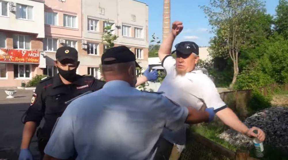 Полиция в Брянске унесла Малюту и задержала Куприянова