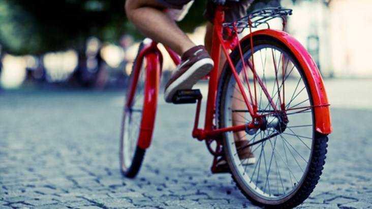 В Брянске 12-летний велосипедист врезался в Volkswagen и разбил голову