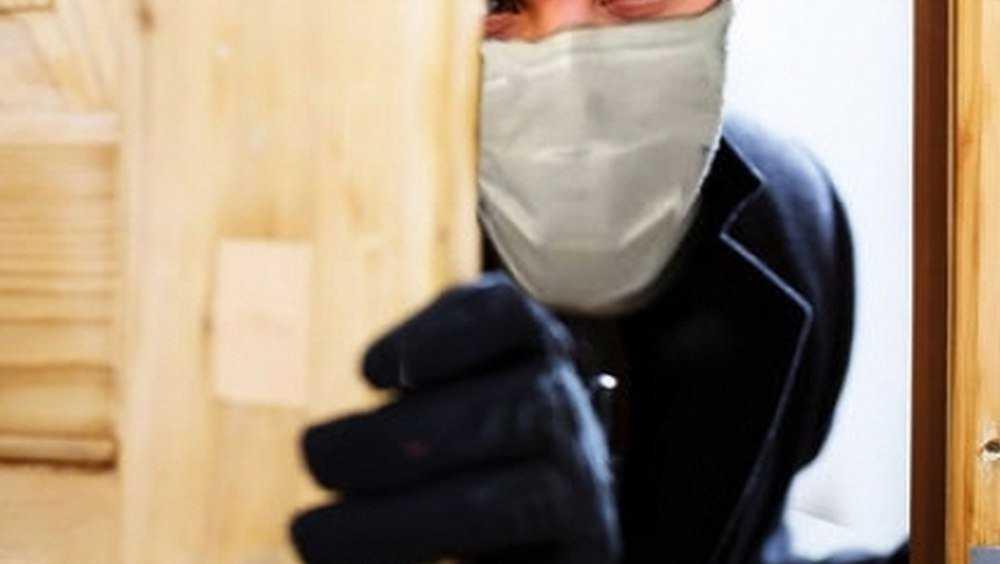 Лжемедик в маске украла у жуковской пенсионерки 75 000 рублей