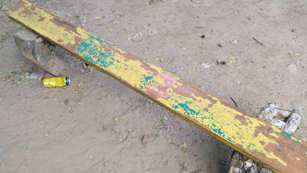 Ребенок попал в опасную ловушку на детской площадке в Брянске