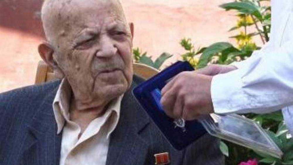 В Брянске старейший ветеран войны Аба Хенкин отметил 104 день рождения