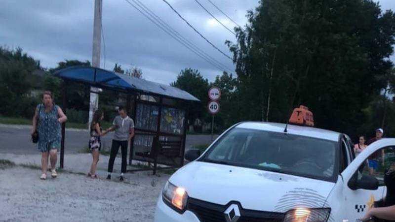 В Брянске произошел инцидент между таксистом и 20-летней девушкой