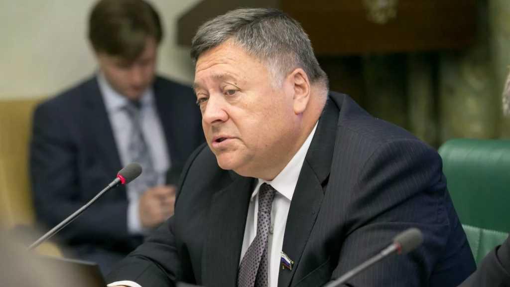 Брянский сенатор Калашников может перейти в Госдуму