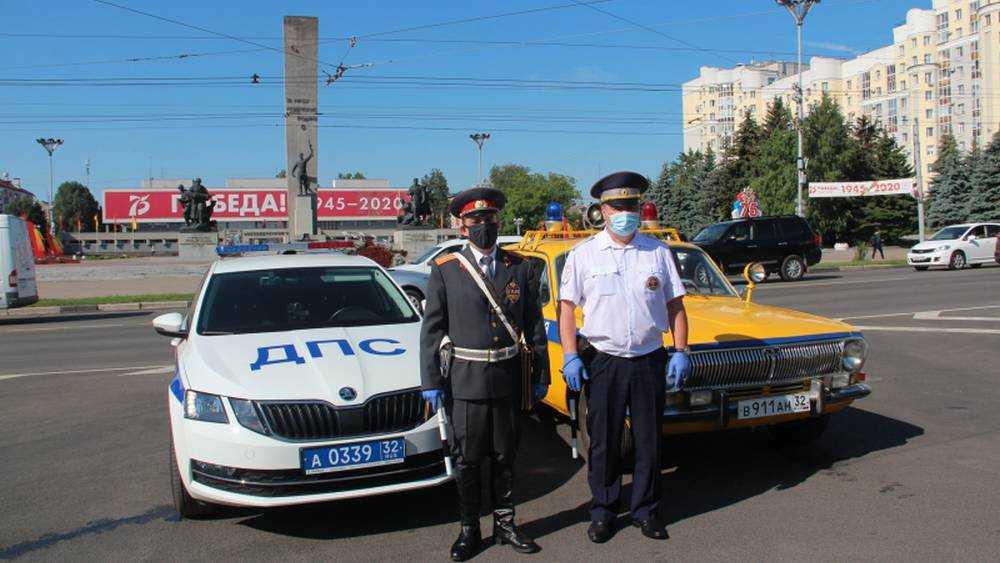 На улицы Брянска вышла советская милиция
