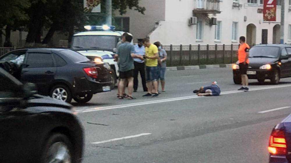 В Брянске водитель легковушки покалечил пешехода-нарушителя