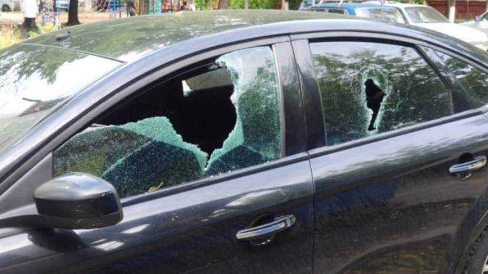 В Брянске задержали напавшего на двух женщин с молотком мужчину