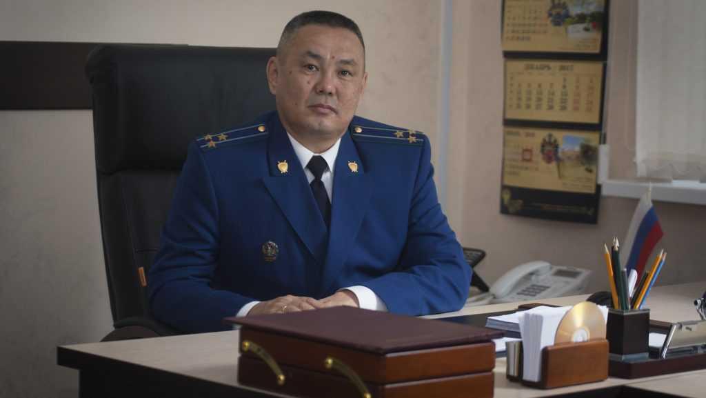 Жалобы жителей Почепа выслушает зампрокурора области Шойсорон Доржиев