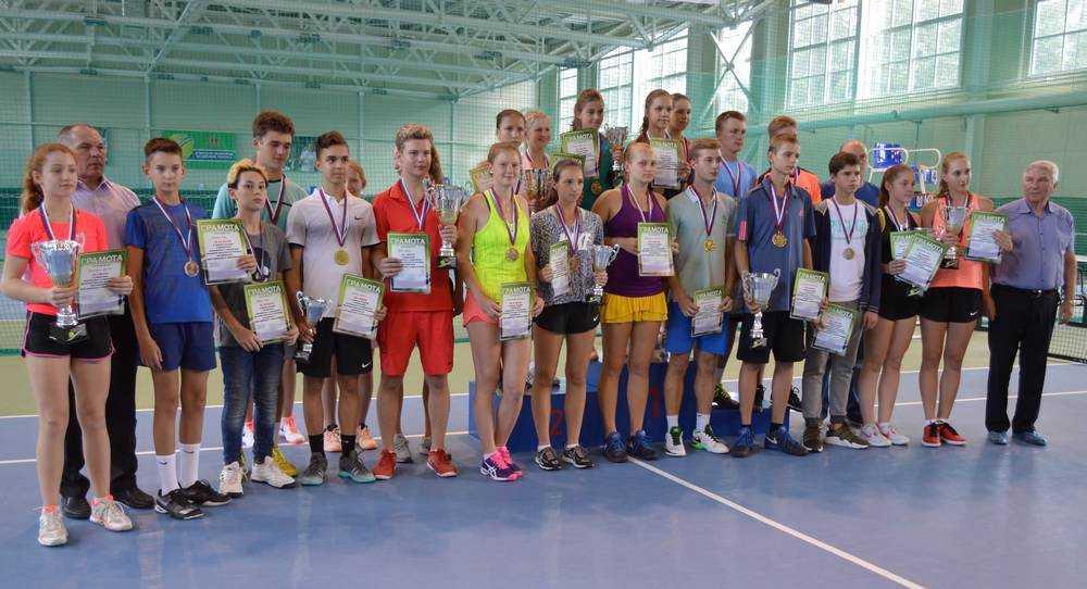 В Брянске возобновил работу Теннисный центр государственного автономного учреждения «Легкоатлетический комплекс»
