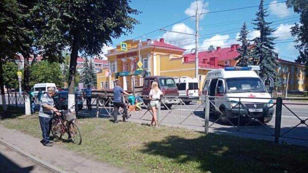 Грузовик насмерть сбил 70-летнюю женщину в Брянске