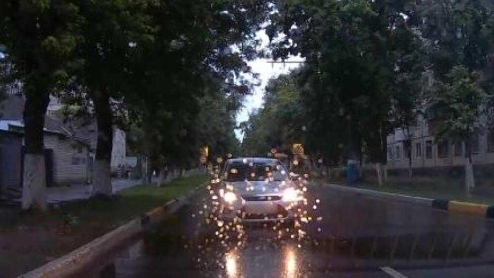 В Брянске водителя Ford наказали по видео за гонки по встречной полосе