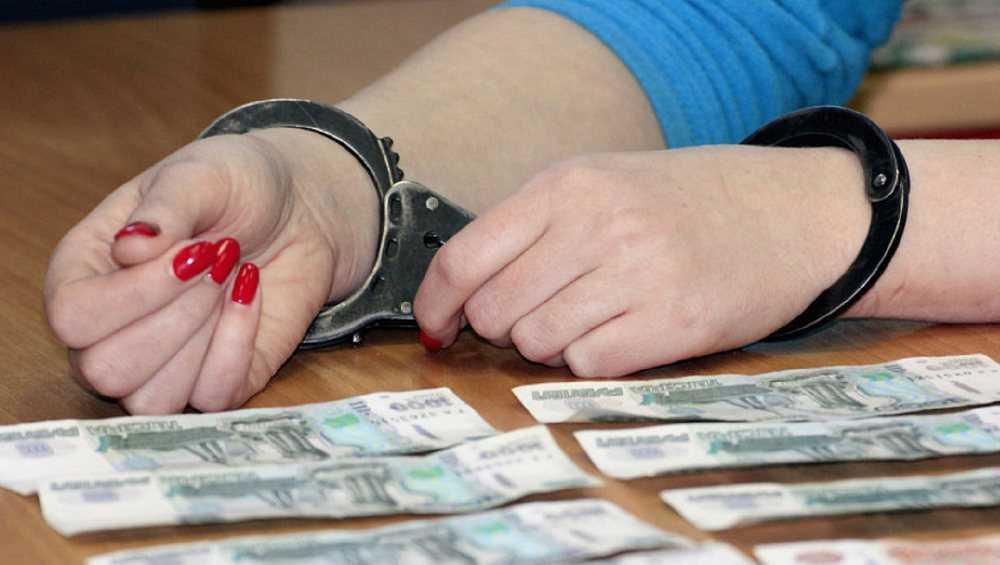 Главбух брянской строительной фирмы украла 19 миллионов рублей