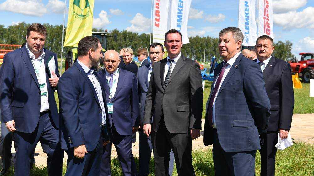 В Брянске министр Патрушев сообщил о переходе к улучшенным продуктам