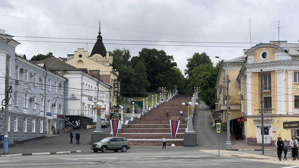 Улицы Брянска стали витриной наркотиков