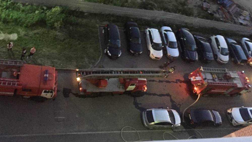 При пожаре на улице в Брянске спасли троих человек