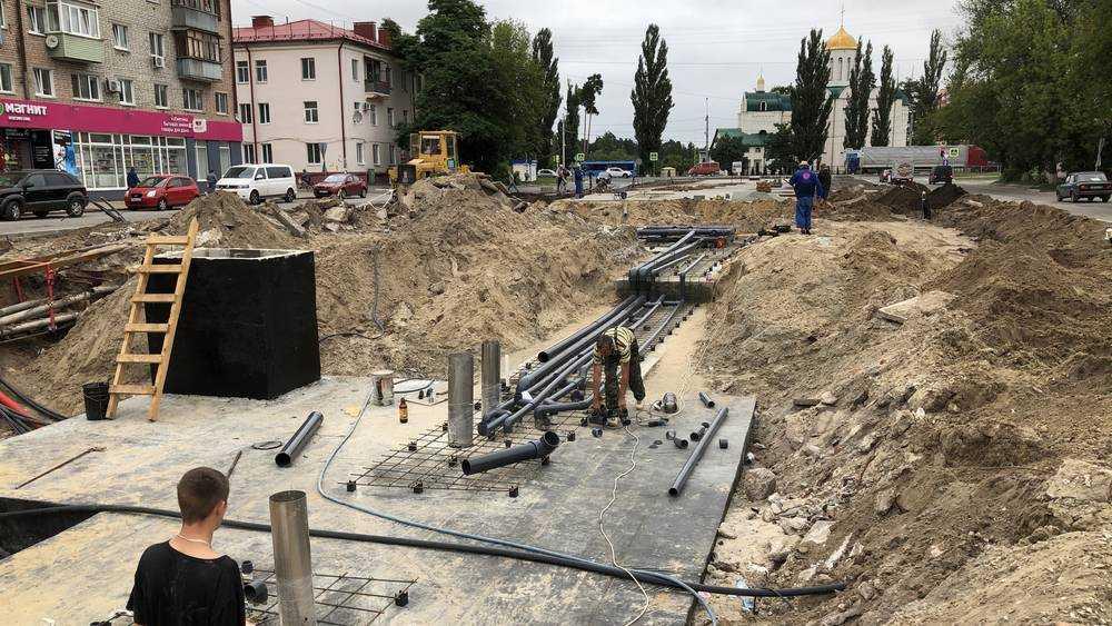 В Брянске строители 45-метрового фонтана у «Лития» ушли под землю