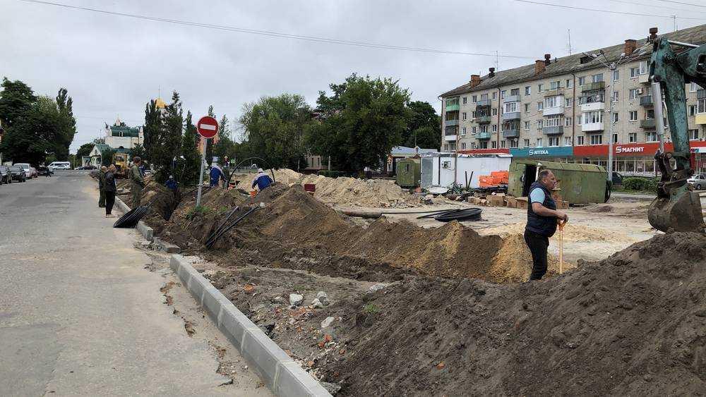 Ремонт сквера «Литий» в городе Брянске планируют завершить в августе
