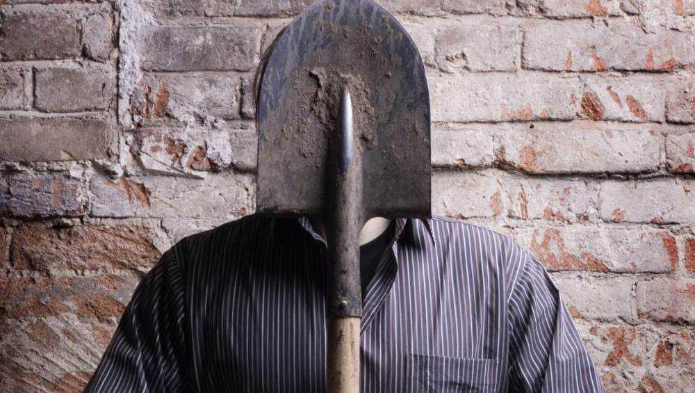 В Белых Берегах пенсионер в гостях лопатой забил приятеля до смерти
