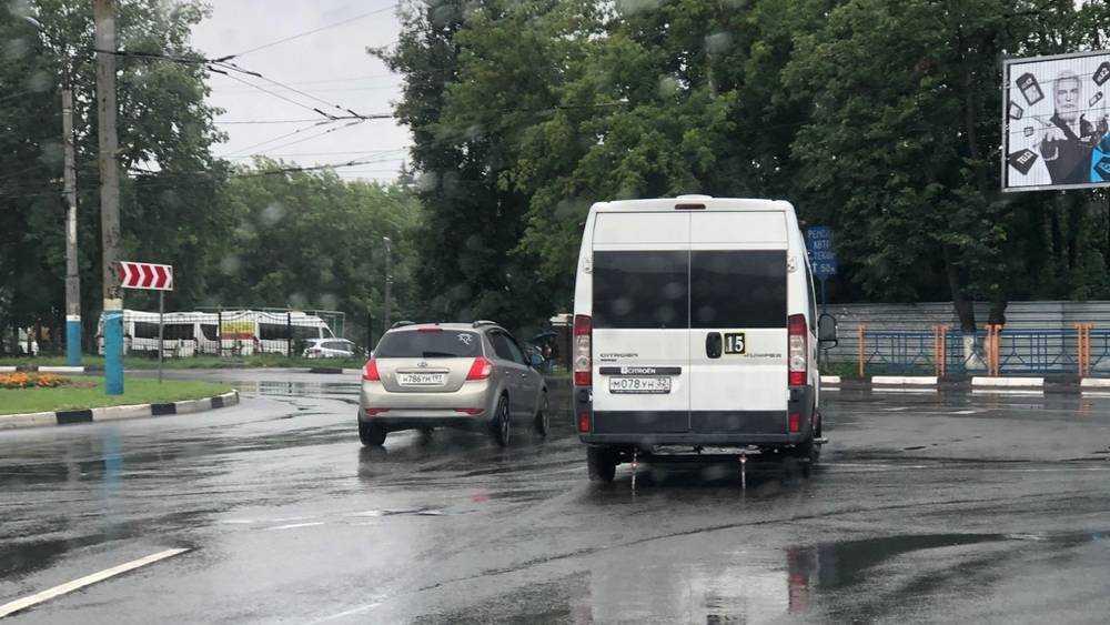 В Брянске возле «Линии» тысячи водителей стали нарушать правила