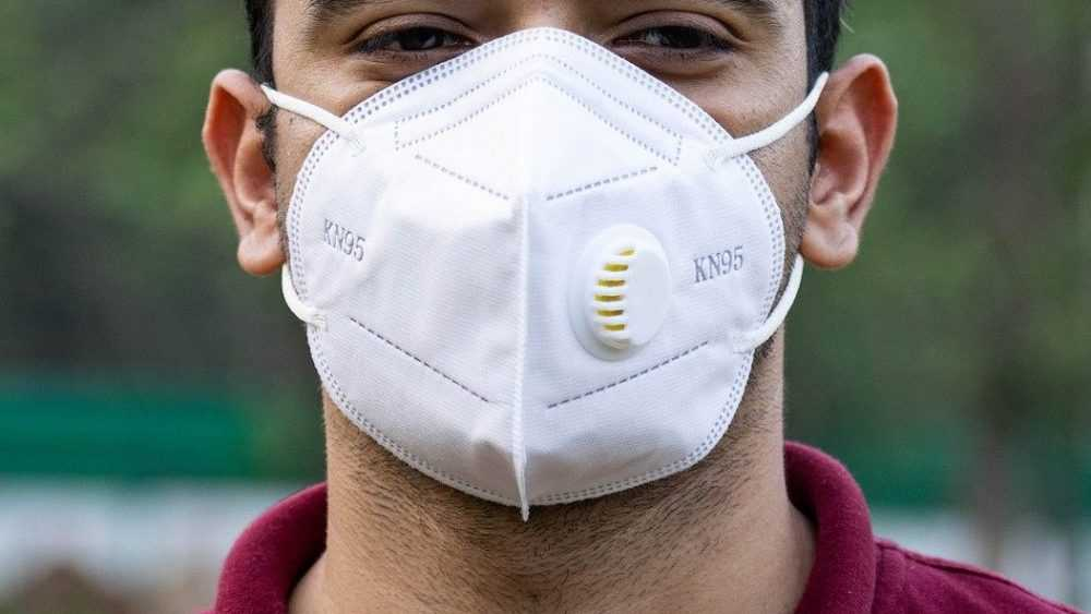 Брянцам дали совет по обработке защитных масок