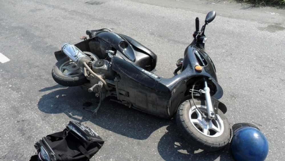 В Брянской области в ДТП покалечились двое водителей мопедов