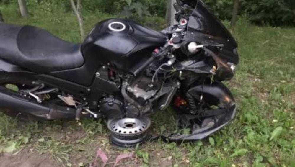 В Брянске водитель Lada сбил 28-летнего мотоциклиста