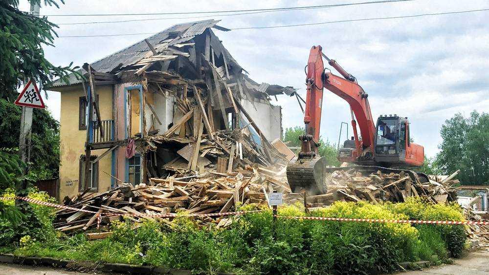 В центре Брянска снесли старое здание