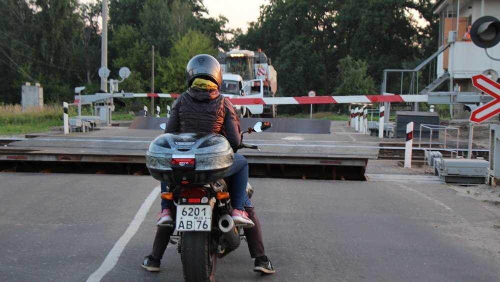 Движение автомобилей через переезд на станции Суземка  в Брянской области будет закрыто на время ремонта  2 и 3 августа