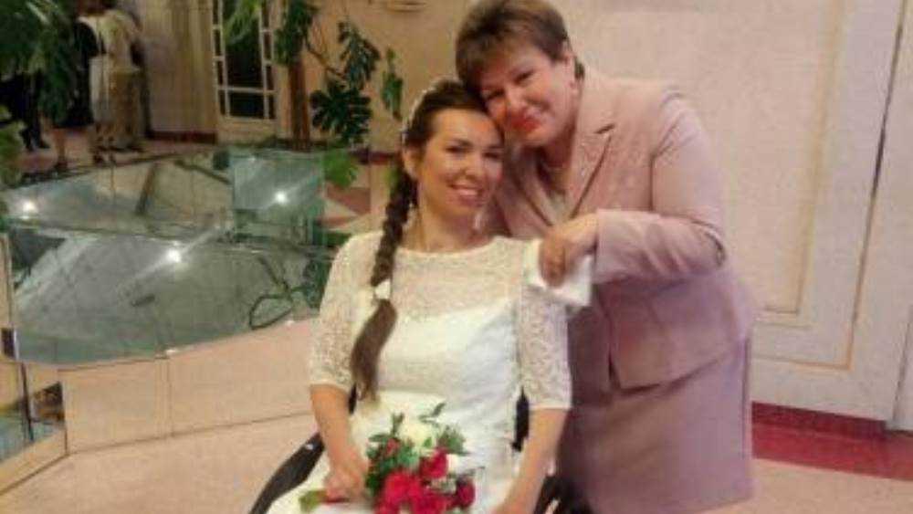 В Брянске вышла замуж известная журналистка Елена Поцелуева