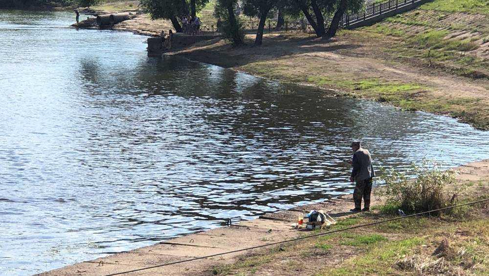 Самый нервный брянский рыбак попросил «туристов» не шастать около него