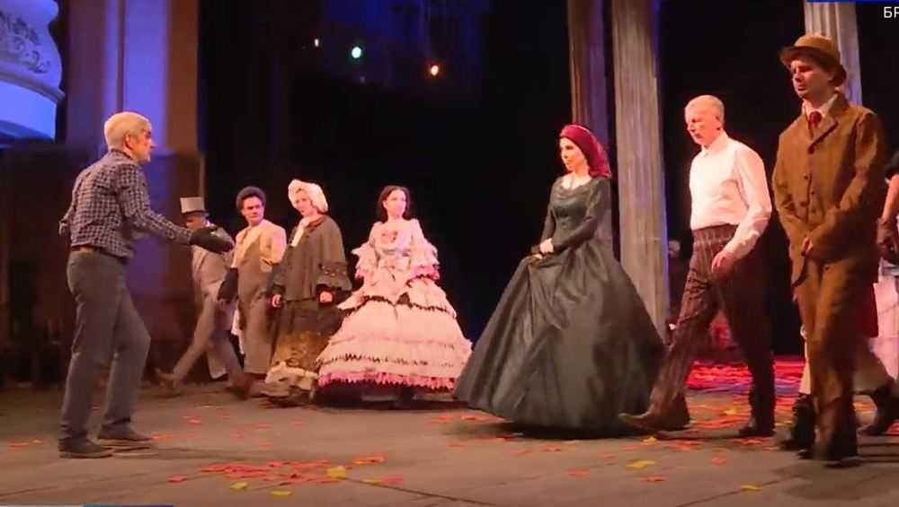Брянский драмтеатр возобновил репетиции премьерного спектакля