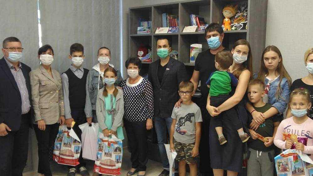В рамках акции «Собери ребенка в школу» в брянском учебном заведении оборудовали кабинет для первоклассников