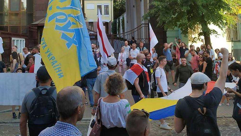 Белоруссия стала ареной противостояния России и Польши