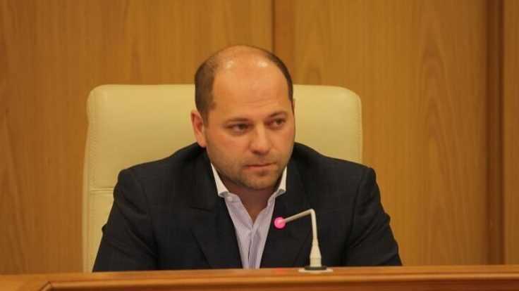 Депутат рассмешил россиян справкой о доходах