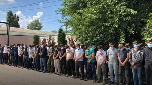 Более 100 молодых чеченцев вернули на родину для перевоспитания
