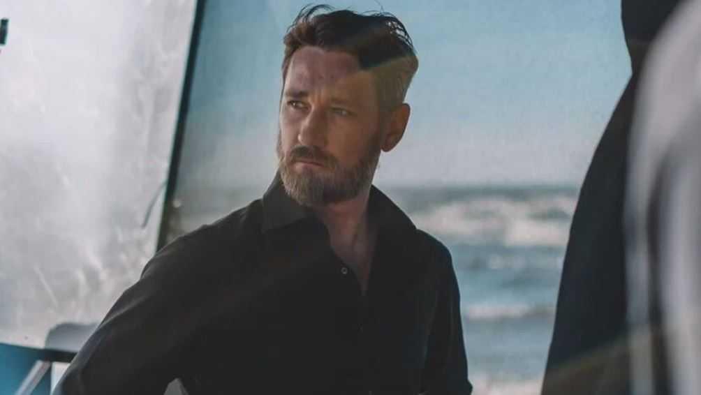 Брянский актёр Шагин отрастил бороду, чтобы спасти Землю от инопланетян