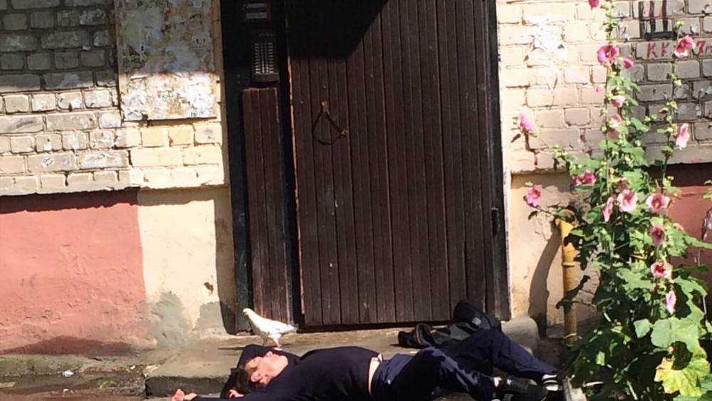 В Брянске мстители причислили пьяного бедолагу к буйным