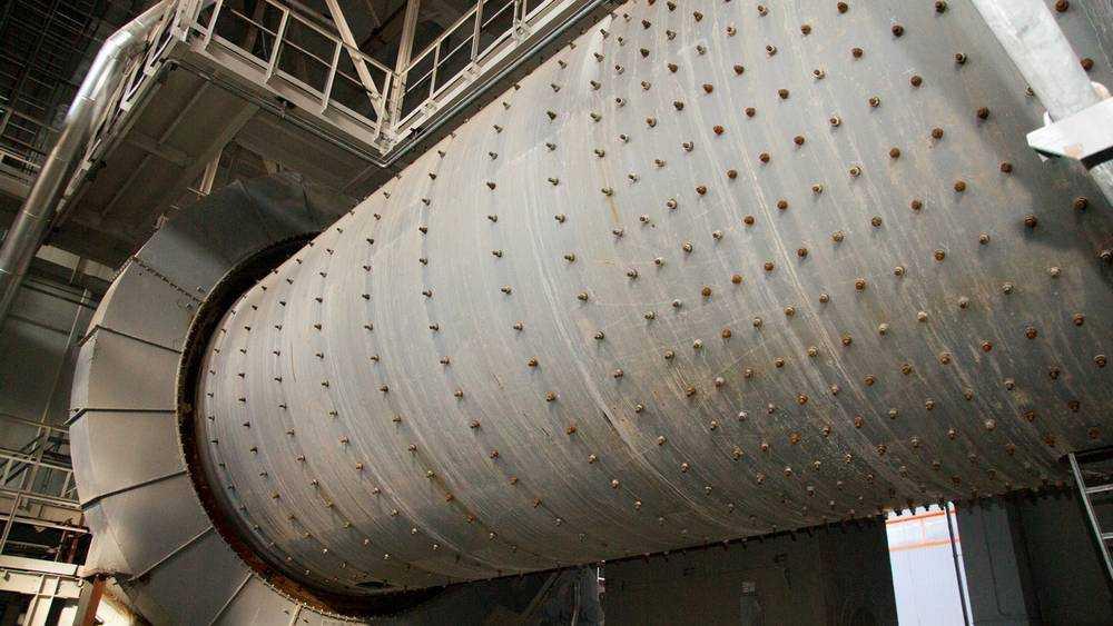 В Брянске суд рассмотрит иск на гигантскую сумму к цементникам