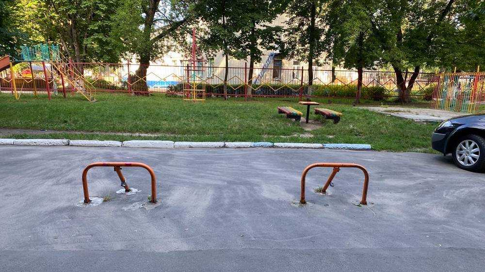 В Брянске автомобилисты начали войну из-за парковочных мест