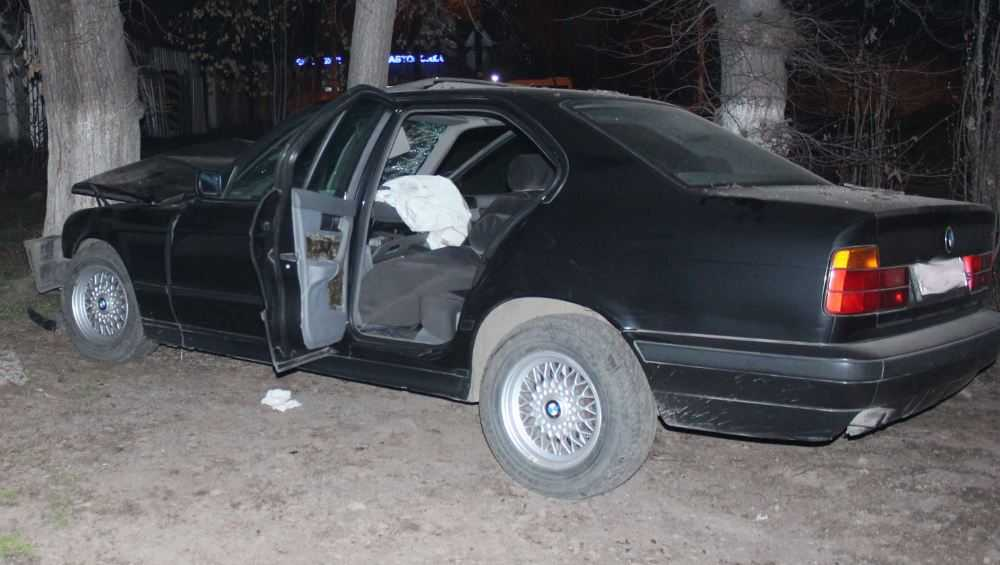 Житель Погарского района угнал у соседа БМВ и разбил автомобиль