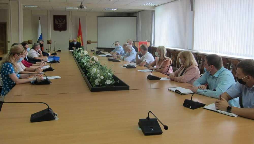 В Брянске армяне и азербайджанцы заявили о дружбе двух диаспор