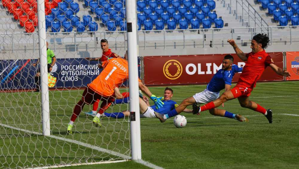 В Красноярске брянское «Динамо» проиграло второй матч первенства