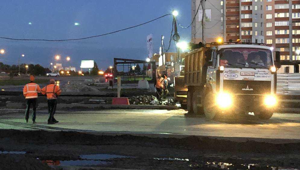 Брянские дорожники удлинили рабочий день за счет ночи