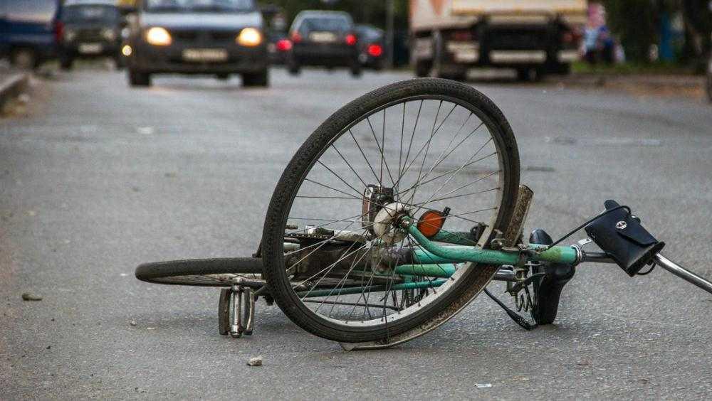 В Брянске пьяный водитель сбил на дороге велосипедиста-пенсионера