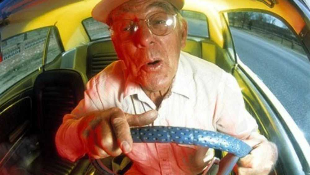 В Стародубе по вине пенсионеров-водителей произошли два ДТП