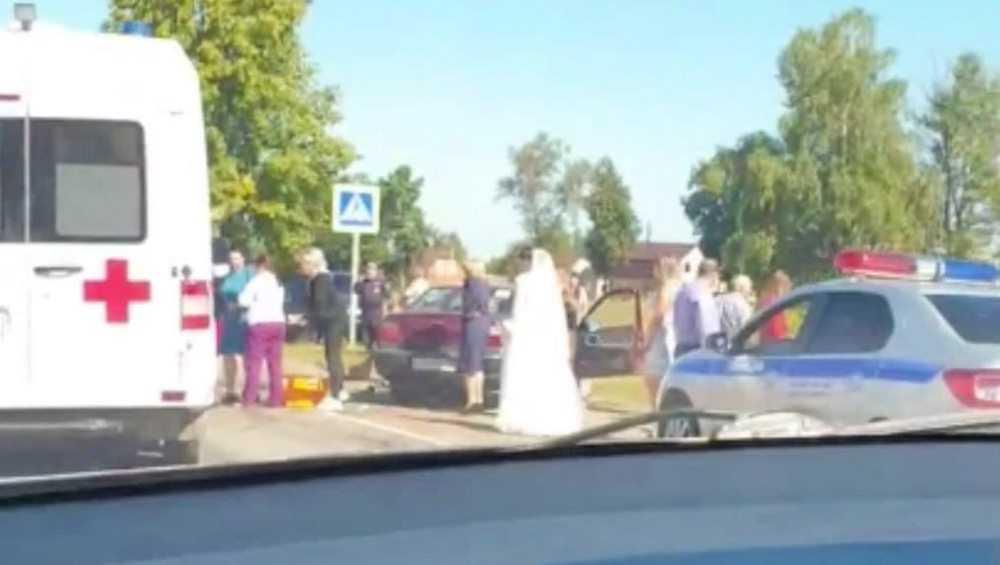 В Ивоте свадебный кортеж попал в ДТП