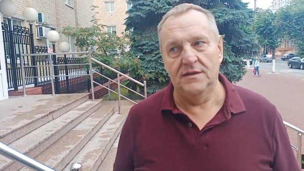 В Брянске на суд по делу Коломейцева пришел владелец ТРЦ Тимошков