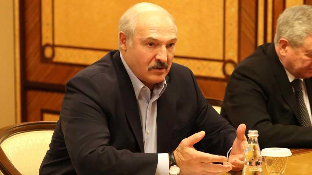 Лукашенко заявил о принятии «самого серьезного решения»