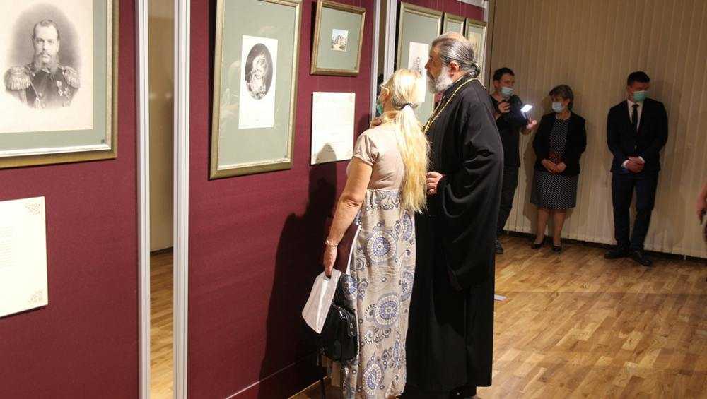 В Брянске представили в гравюрах историю Императорского дома Романовых